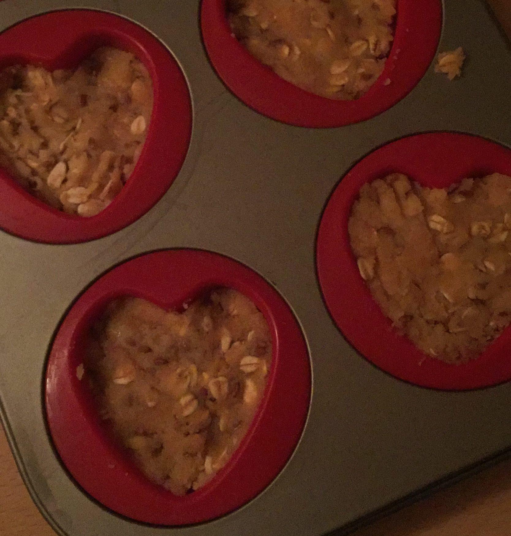 glutenfreier Teig in einer Muffinform als Brotersatz
