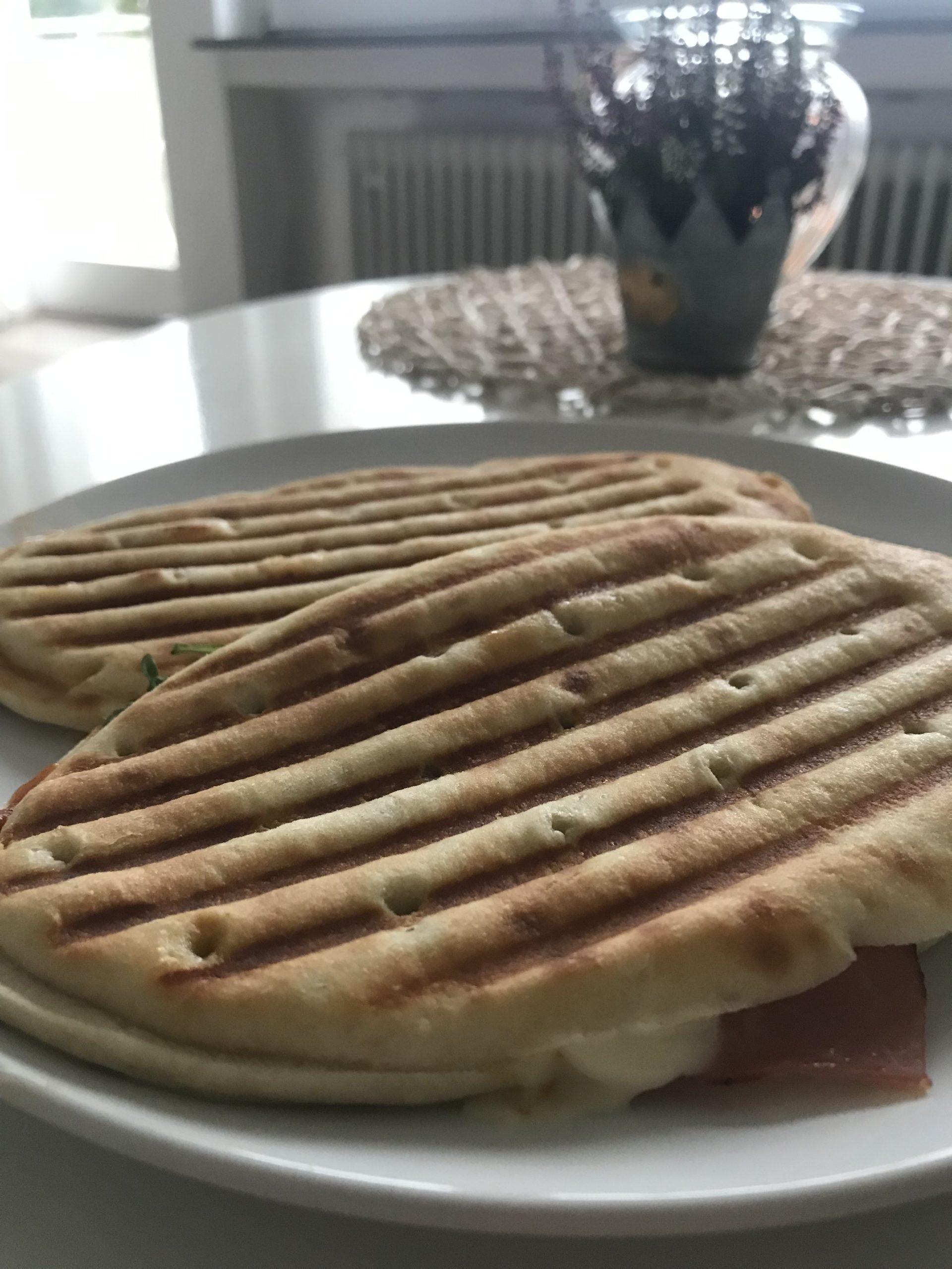 Panini auf einem Teller