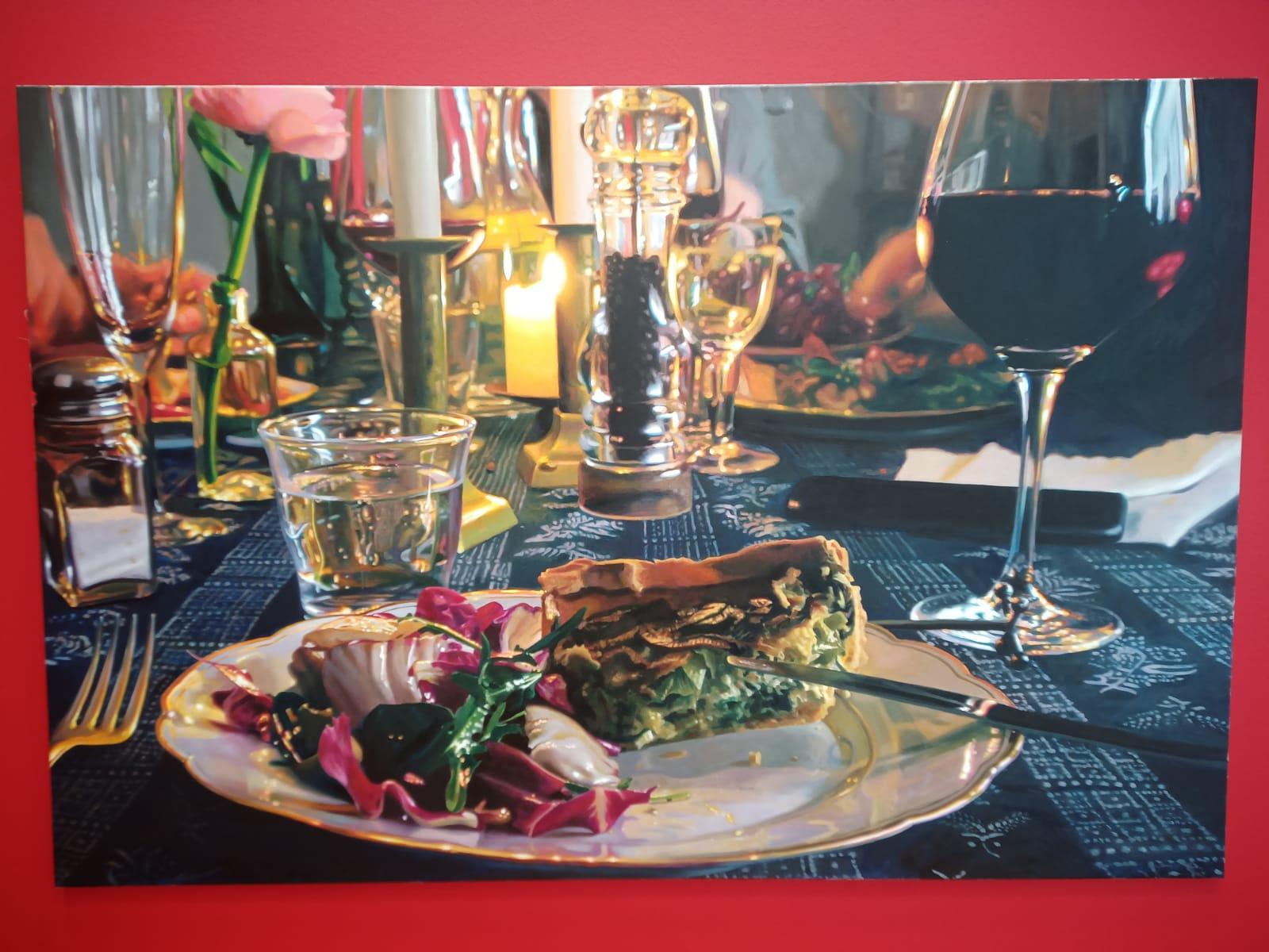 Ein Ölgemälde eunes gedeckten Tisches, welches aussieht wie fotografiert